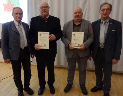 Ehrungen mit der Ehrennadel in Bronze für Matthias Alram und Klaus Noortwyck