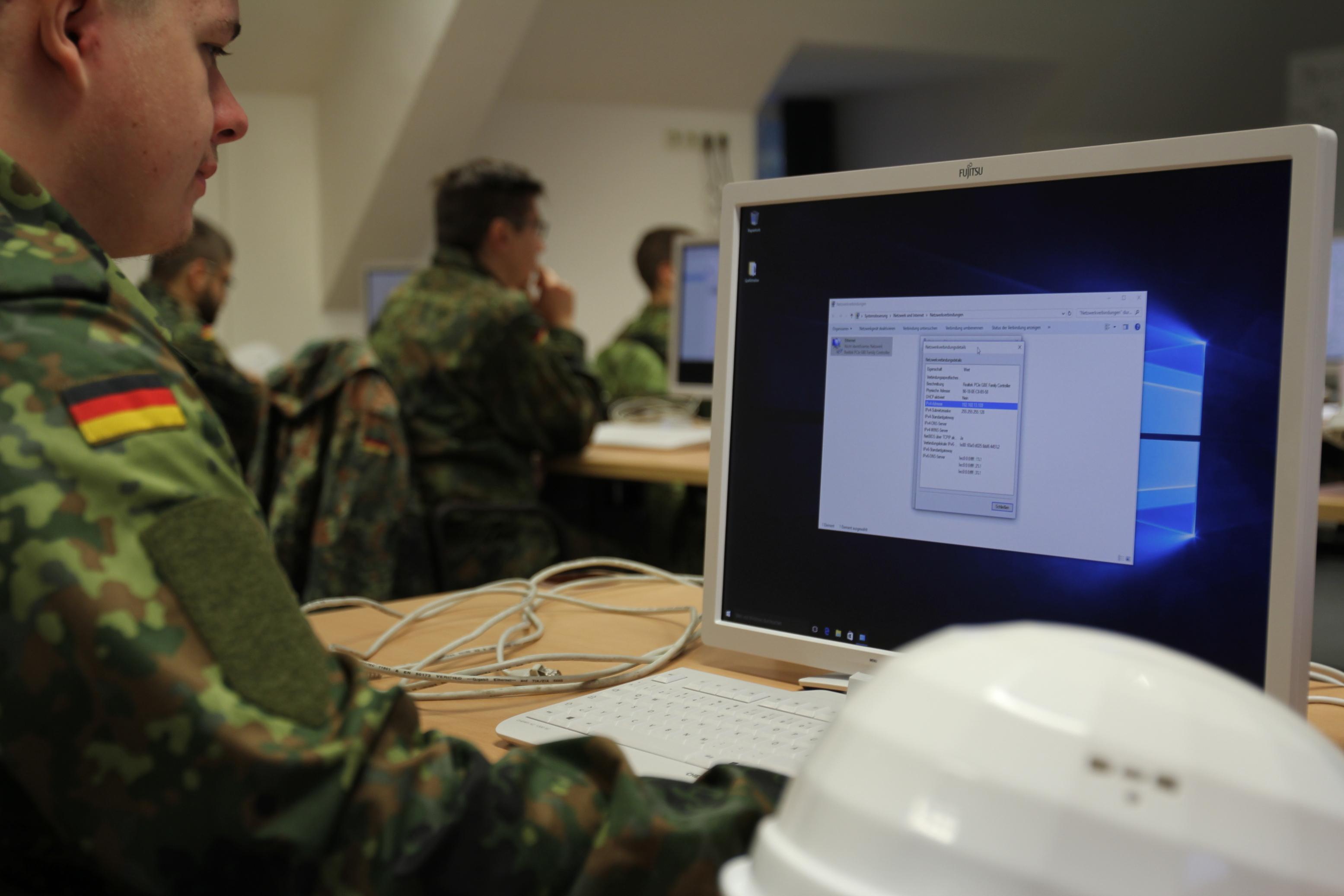 IT-Camp beim Informationstechnikbataillon 292
