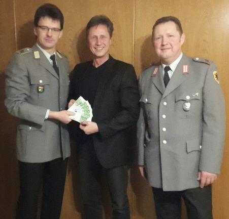 """Reservistenkameradschaft Ebermergen spendet an """"Kinder wollen leben, spielen, lachen!"""""""