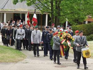 Von Vizepräsident Burkhardt Ehrlich mit militärischen Ehren Abschied genommen