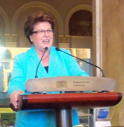 Landtagsprädentin Barbara Stamm hat ins Maximilianeum eingeladen