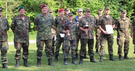Stabsgefreite Tanja Schneider ist mit RK Wertingen Bezirks- und Kreissieger 2015