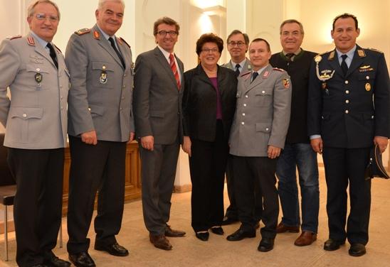 Landtagspräsidentin, Frau Barbara Stamm, würdigt Reservistenarbeit